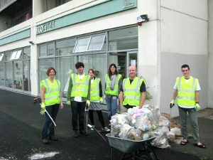Team spirit at Ballymun clean up initiative